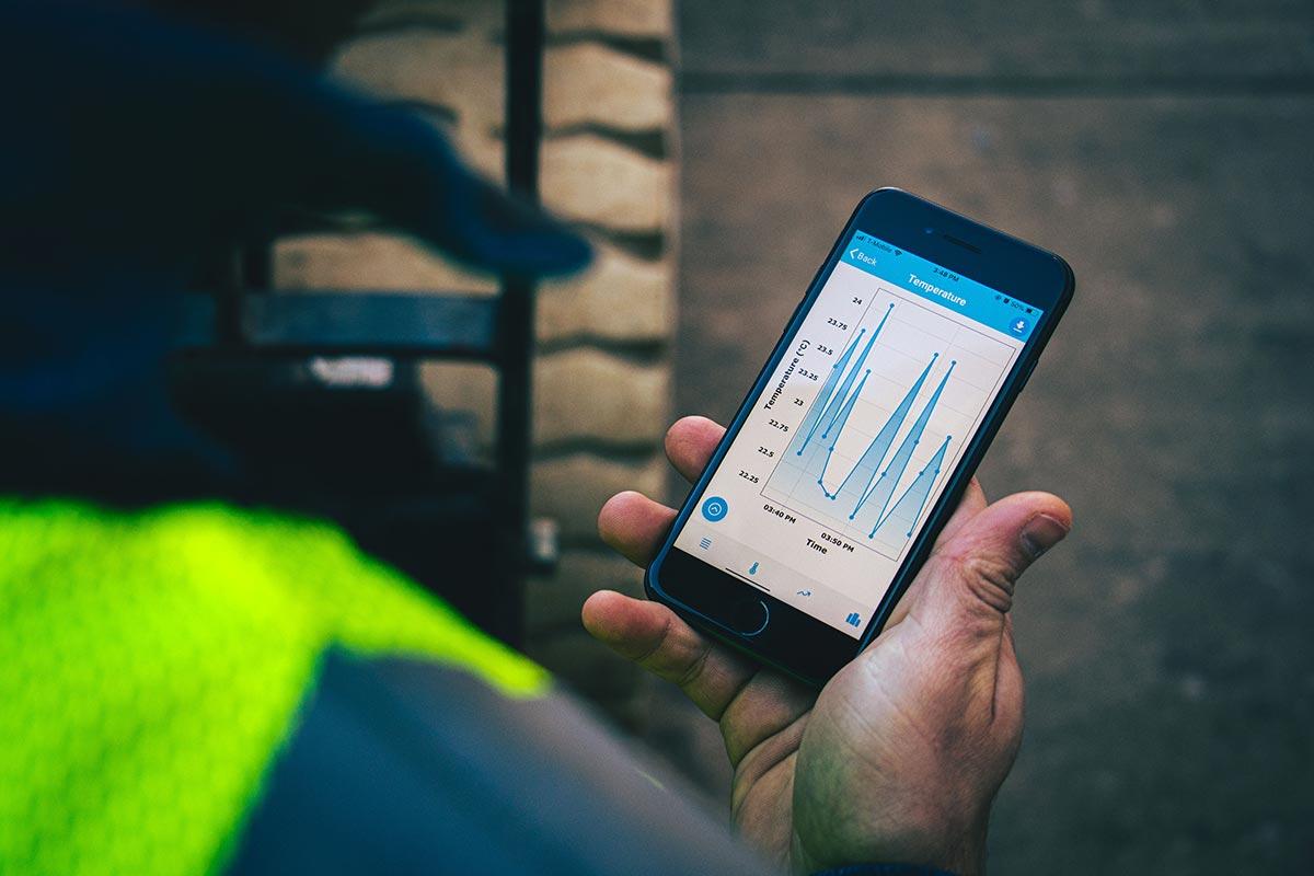 Close up of Sensytec App monitoring concrete temperature.